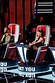 nick jonas gives one piece of advice for ariana grande on the voice 04