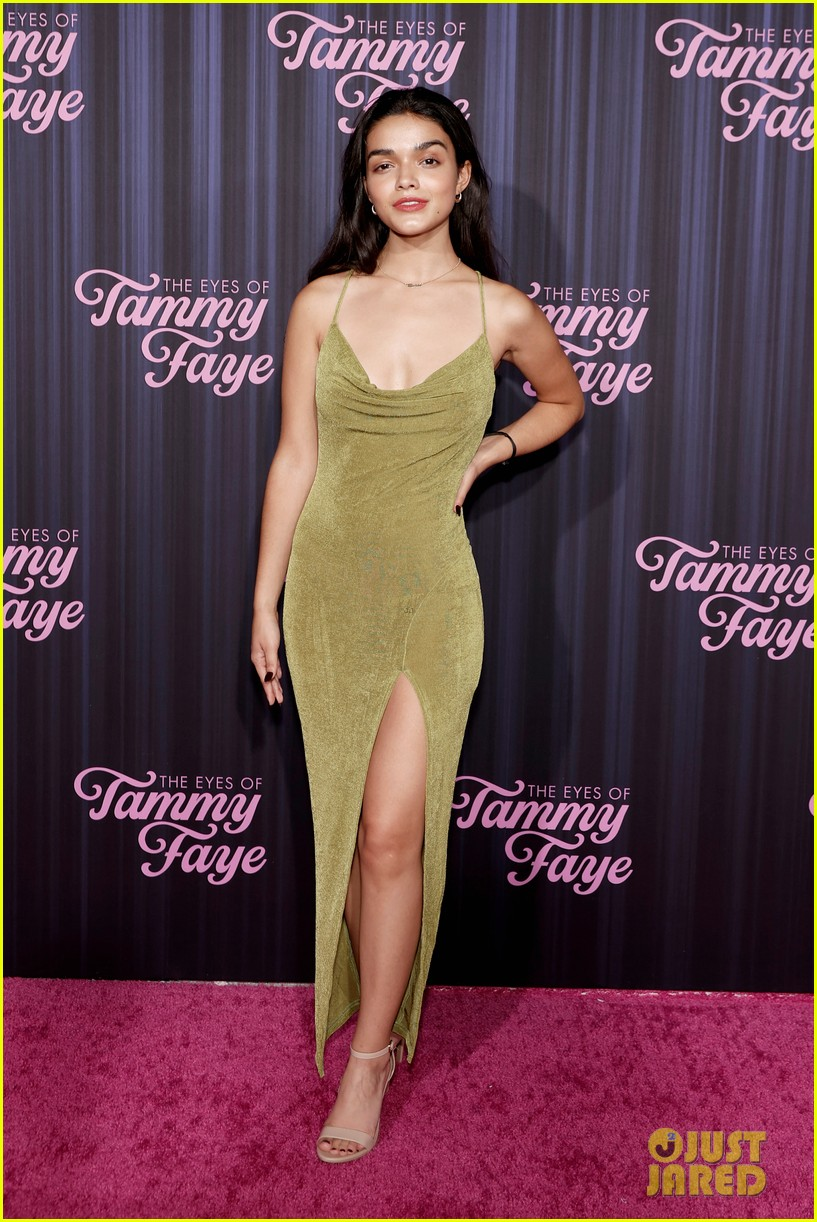 rachel zegler steps out for her first movie premiere for the eyes of tammy faye 04