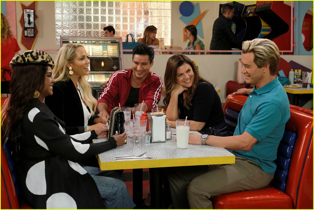 saved by the bell gets season 2 premiere date first look photos 03