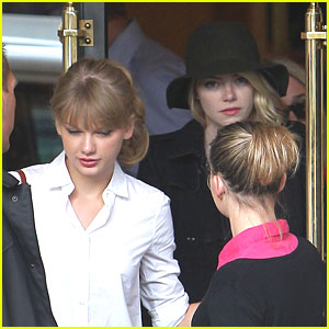 Taylor Swift: Lunch in Paris with Emma Stone