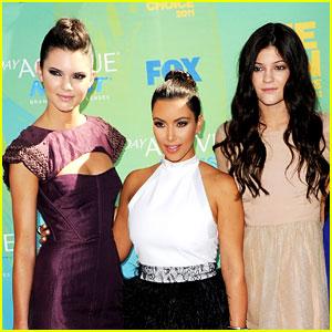 Kendall Jenner Tweets Excitement for Kim Kardashian's Pregnancy!