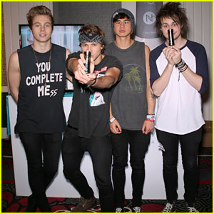 5 Seconds of Summer Prepare For Billboard Music Awards