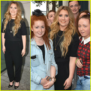 Ella Henderson Catches Up With Fans During Dublin Trip