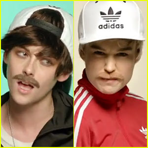 Kristen Stewart & Brie Larson Dress Up as Guys For Jenny Lewis' 'Just One of the Guys' Music Video - Watch Now!