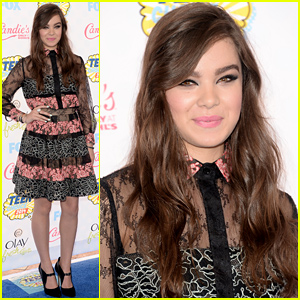 Hailee Steinfeld Goes Ultra-Chic for Teen Choice Awards 2014