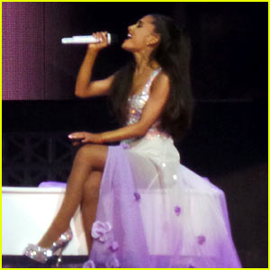 Ariana Grande Kills It on 'I Have Nothing' - Watch Now!