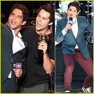 Tyler Posey, Dylan O'Brien, & 'Teen Wolf' Cast Accept MTV's Fandom Icon Award!