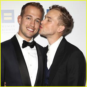 Tommy Dorfman & Husband Peter Zurkuhlen Share a Kiss at Human Rights Gala!