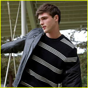 Jacob Elordi Learned to Ride a Motorcycle on 'Kissing Booth' Set! (Exclusive)
