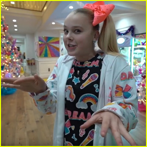 JoJo Siwa's House Is Totally Decked Out For Christmas!