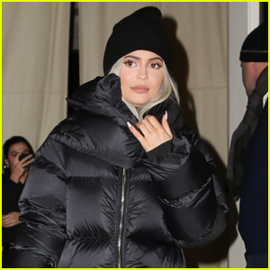 Kylie Jenner Steps Out for Dinner with Friends in NYC!