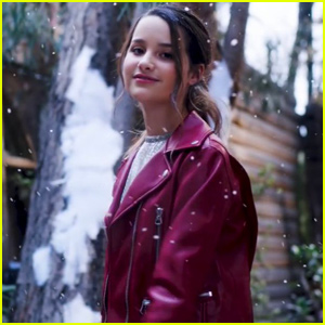 Annie LeBlanc Drops Holiday Song 'It's Gonna Snow' - Listen Now!