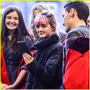 Maisie Williams Meets University Students at Daisie App Launch!