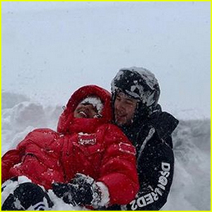 Nick Jonas & Wife Priyanka Chopra Have Some Fun in the Snow!