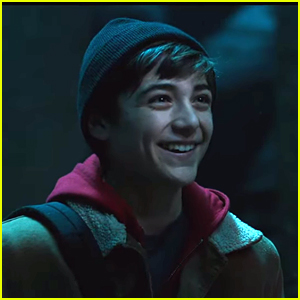 Asher Angel Turns Into Shazam! In Brand New Trailer - Watch Here!