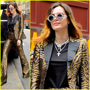 Bella Thorne Makes Stylish Arrival at Carnegie Hall