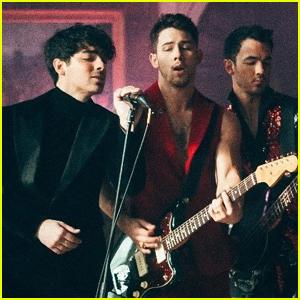 The Jonas Brothers Release 'Sucker' Director's Cut Music Video - Watch Here!