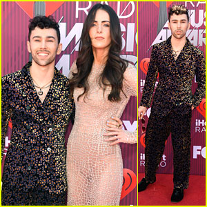MAX & Wife Emily Cannon Skip Traditional Red Carpet Looks at iHeartRadio Music Awards 2019