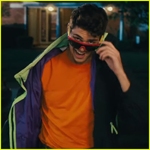 Watch Noah Centineo Become 'The Perfect Date' For Everyone in First Trailer