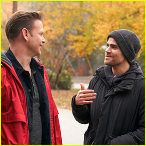 Paul Wesley Directs Tonight's All New 'Legacies'!