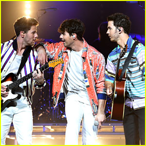 Jonas Brothers Perform For Largest Crowd Since Reuniting