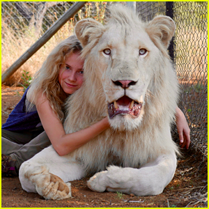 'Mia & The White Lion' Hits Theaters This Weekend - Watch A Exclusive Clip!