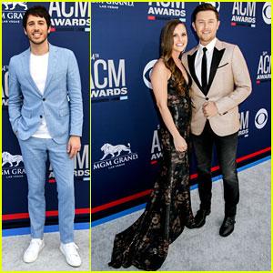 Scotty McCreery & Wife Gabi Couple Up at ACM Awards 2019