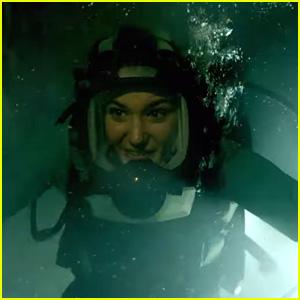 Brec Bassinger & Corinne Foxx Dive Deep in '47 Meters Down: Uncaged' Trailer - Watch Now!