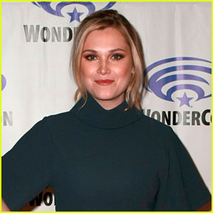 Eliza Taylor Dishes On What's Next For Clarke & Josephine On 'The 100'