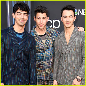 Jonas Brothers Announce 'Chasing Happiness' Documentary Premiere Date!