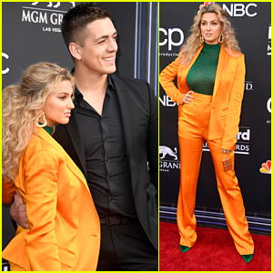 Tori Kelly Goes Bold in Golden Suit at Billboard Music Awards 2019