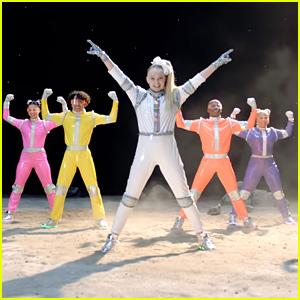 JoJo Siwa Heads To Space In '#1U' Music Video - Watch Now!