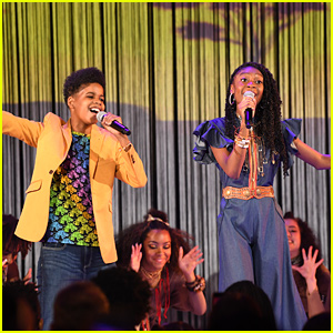 The Lion King's JD McCrary & Shahadi Wright Joseph Perform 'I Just Can't Wait To Be King' at ARDYs 2019