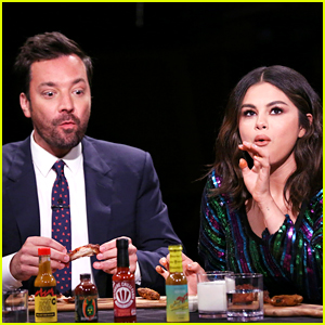 Selena Gomez Can't Handle the Spicy Wings on Fallon's 'Hot Ones' Segment