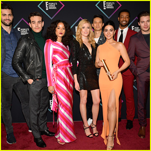 The Entire Cast of 'Shadowhunters' Reunite For Paris Fan Convention - See The Pics!