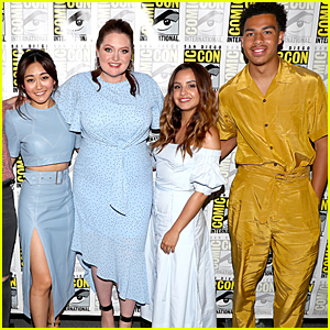 Aimee Carrero Debuts Season 3 Trailer For 'She-Ra and the Princesses of Power' at Comic-Con - Watch Now!