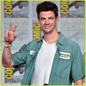 Grant Gustin Joins 'The Flash' Co-Stars at Comic Con 2019!