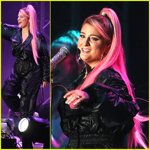 Meghan Trainor Had Pink Hair For Fourth of July Concert in Philadelphia