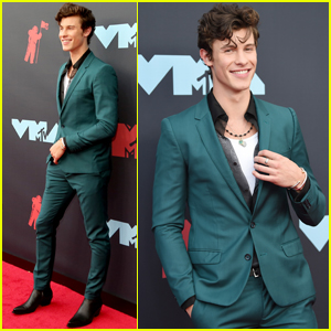 Shawn Mendes Suits Up For VMAs 2019!