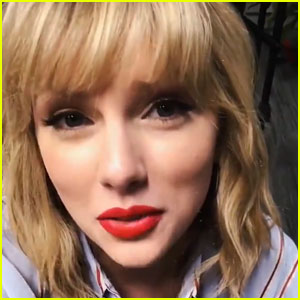 Taylor Swift Thanks Fans for 'One of the Best Weeks' of Her Life (Video)
