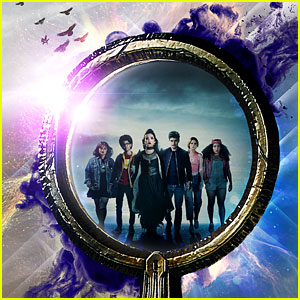 'Marvel's Runaways' Season 3 Teaser Features Cloak & Dagger - Watch Now!