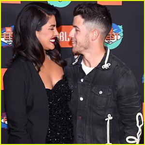 Nick Jonas & Priyanka Chopra Look Smitten at Las Vegas Music Event