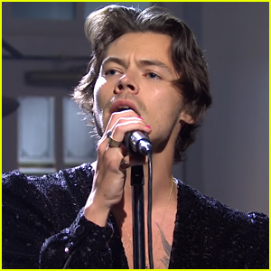 Harry Styles Sings 'Watermelon Sugar' & 'Lights Up' on 'Saturday Night Live'!