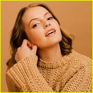 Jo Ellen Pellman to Play Emma in 'The Prom' Movie!