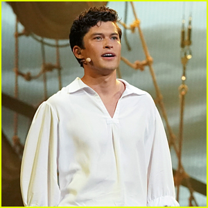 Graham Phillips Performs 'Fathoms Below' On 'The Little Mermaid Live' - Watch Now!