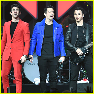 Jonas Brothers Close Out Jingle Ball Tour in Florida