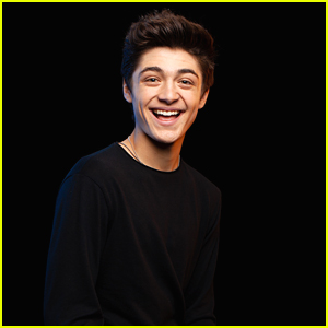 Asher Angel Gushes About Girlfriend Annie LeBlanc While Promoting New Single 'Chills'