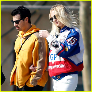 Joe Jonas & Pregnant Sophie Turner Check Out the Sights in Barcelona