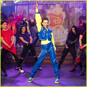 Kylie Cantrall's 'Descendants Remix Dance Party' Performance Was Electric - Watch Now!