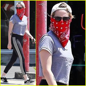 Kristen Stewart Picks Up Coffee with a Friend in Los Feliz